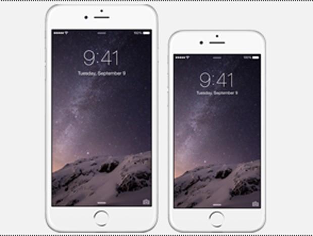 Modelos do iPhone 6 com o horário congelado na tela: 9h41 (Foto: Reprodução / Apple.com)