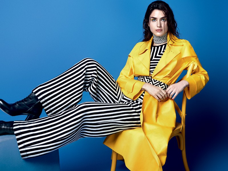 O clássico preto e branco ganha frescor com uma pitada de amarelo (Foto: Gil Inoue (Agência AN) - Edição de moda: Larissa Lucchese)