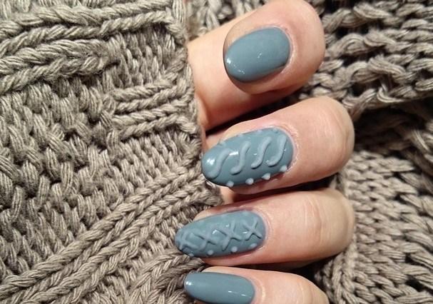 A tendência começou no hemisfério norte. Será que a moda pega aqui pro inverno 2016? (Foto: Reprodução Instagram @nailspapoland)