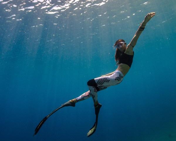 Ela consegue ficar até 6 minutos ininterruptos submersa (Foto: Divulgação)