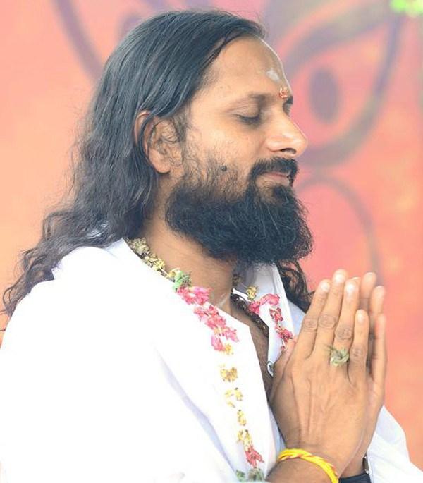Swami Parantej abandonou negócios para se deidicar à meditação (Foto: Divulgação)