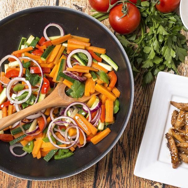 Wok especial para desinchar é fit, fácil de fazer e saboroso