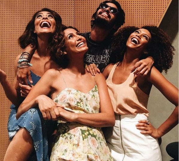 Trio de divas! Ju Paes, Camila Pitanga e Taís Araujo esbanjam beleza em clique descontraído