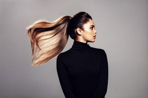 Entre as tendências de haircare para o futuro está o skincarization: nova forma de tratar os fios inspirada no skincare (Foto: Thinkstock)