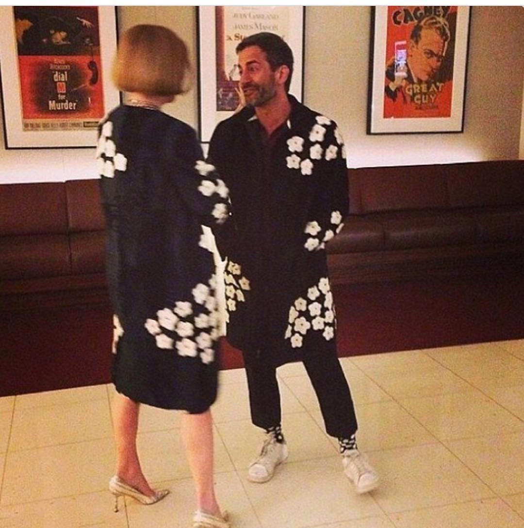Unidos pelo casaco Prada, Anna Wintour e Marc Jacobs (Foto: Reprodução/Instagram)