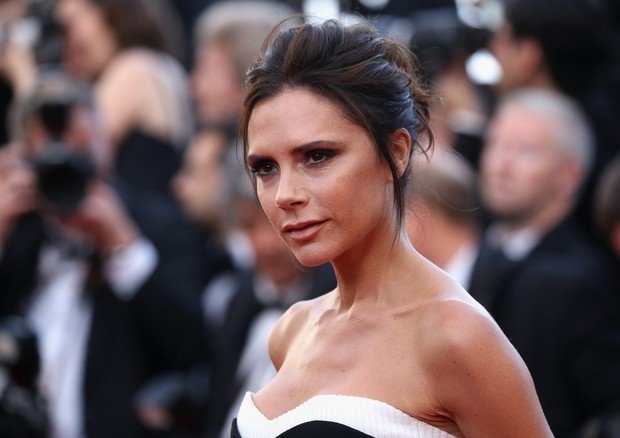 """CANNES, FRANCE - MAY 11: Victoria Beckham attends the """"Cafe Society"""" premiere and the Opening Night Gala during the 69th annual Cannes Film Festival at the Palais des Festivals on May 11, 2016 in Cannes, France. (Photo by Andreas Rentz/Getty Images) (Foto: Getty Images)"""