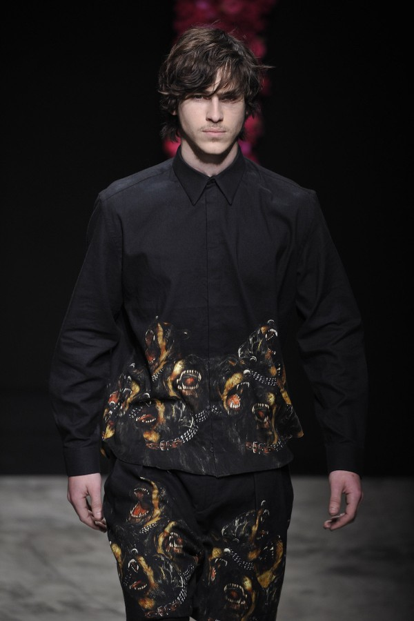 Givenchy - inverno 2011 masculino (Foto: Getty Images)
