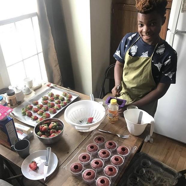 Fado! Menino de 13 anos abre sua própria padaria e doa doces para sem-tetos (Foto: Divulgação)