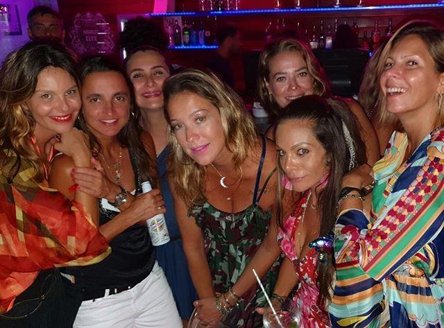 Luana Piovani festeja aniversário com amigas em Ibiza (Foto: Reprodução / Instagram)